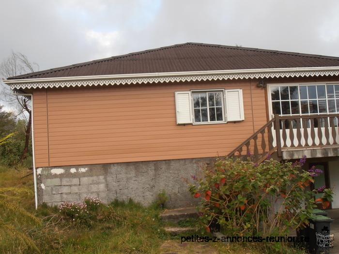 Petite annonce a voir la plaine des cafres 97418 for Petites annonces immobilier