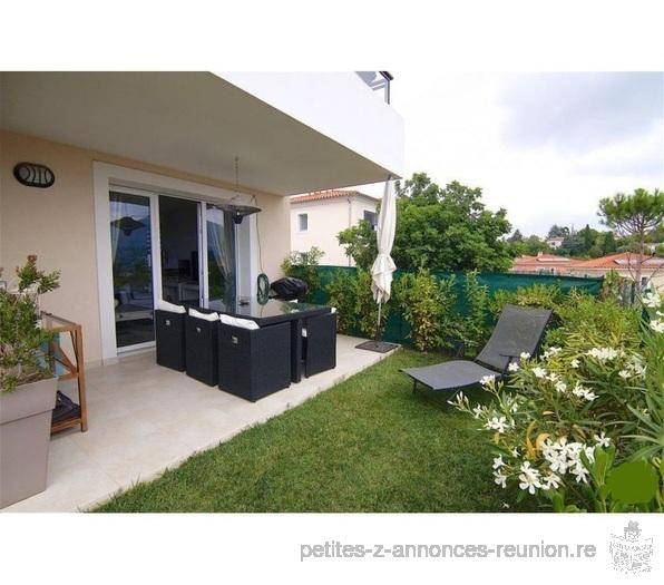 petite annonce excellent appartement dans r sidence avec piscine et garage le de la r union. Black Bedroom Furniture Sets. Home Design Ideas