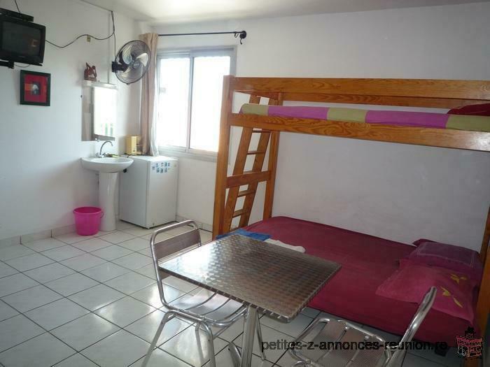 ste clotilde,chambre meublée avec internet et accès cuisine,130€/sem