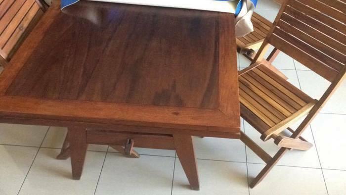 Petite Annonce Table Bois 4 Chaises St Denis 97400 Meubles Ameublement Mobilier